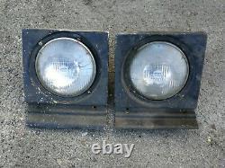 Range Rover Classic Early 2/4 door headlight surrounds x 2